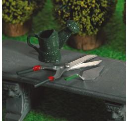 gieter, hegeschaar en spatel in groen