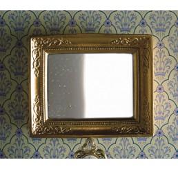 Spiegel in gouden lijst