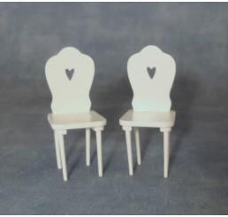 Witte stoelen, met hart, 2 stuks