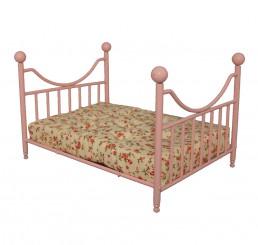 Roze metalen Bed