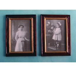Z/W-portret, ingelijst, 2 stuks