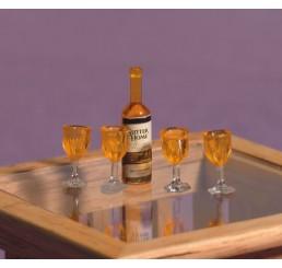 Fles wijn met 4 glazen